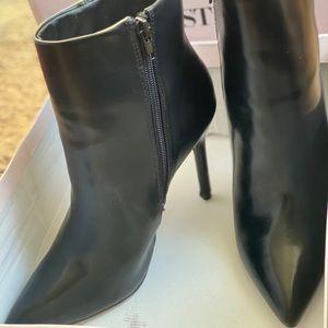 Natima Stiletto Bootie